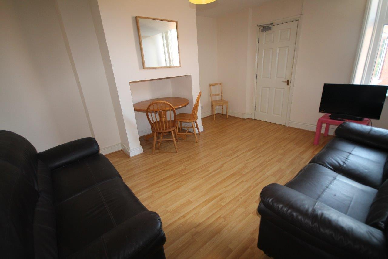 Fairfield Road Newcastle Upon Tyne, 6 Bedrooms  Maisonette ,For Sale